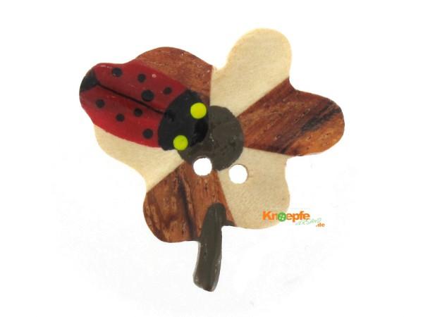 Holzknopf `Blume mit Marienkäfer`